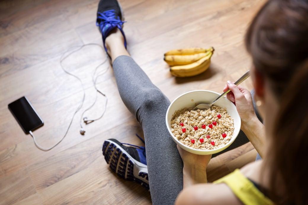 athlete eating-1